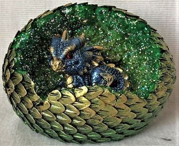 Picture of Blue dragon in green egg
