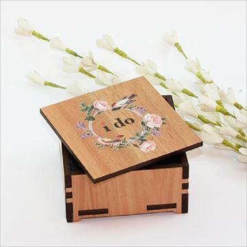 Picture of Sml box i do with roses