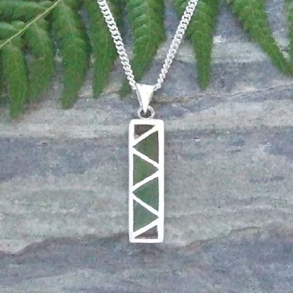 Picture of Baskets of knowledge pendant