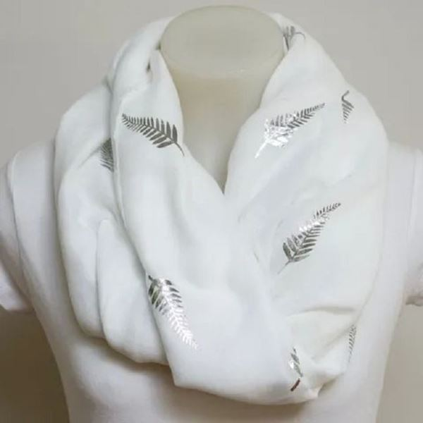 Picture of White w/silver foil fern scarf
