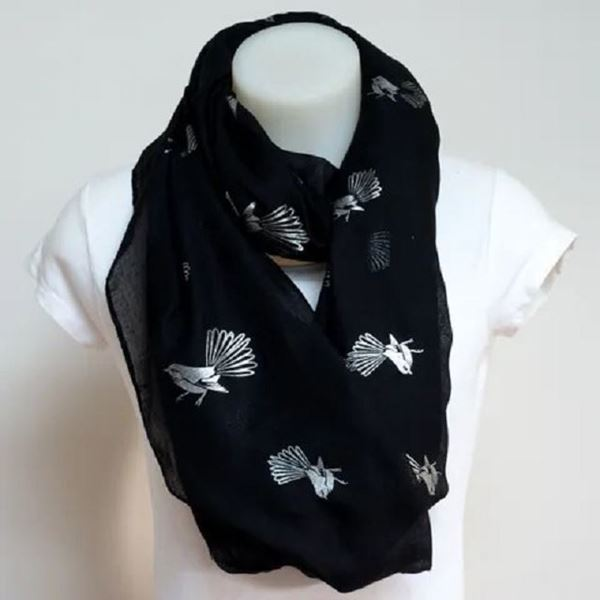 Picture of Fantail black scarf