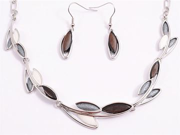 Picture of Black leaves necklace set