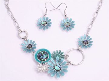 Picture of Blue daisy/paua necklace set