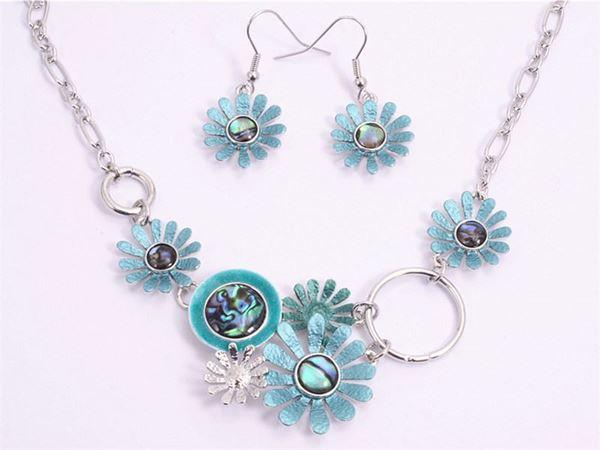 Picture of Blue daisy/paua necklace set