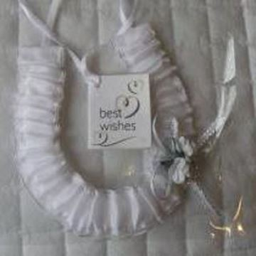 Picture of White satin flower horseshoe