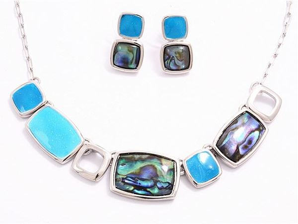 Picture of Blue beads/paua necklace set