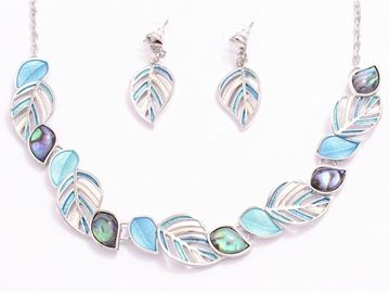 Picture of Blue leaves/paua necklace set