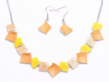 Picture of Yellow/orange beads set