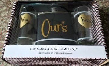 Picture of Ours flask 2 shotglass set