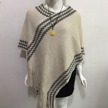 Picture of Beige zigzag poncho