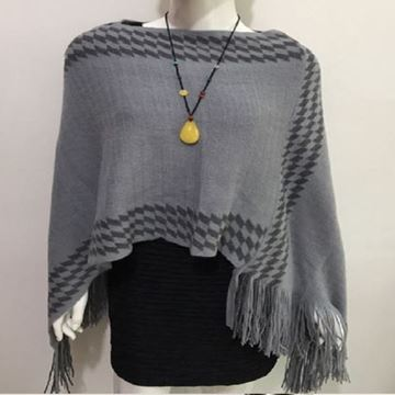 Picture of Grey zigzag poncho