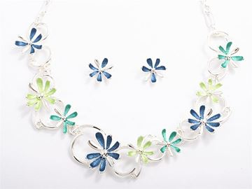 Picture of Blue/green flowers necklace